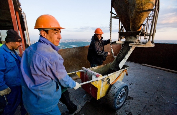 В России могут быть введены ограничения на привлечение трудовых мигрантов в сферу строительства