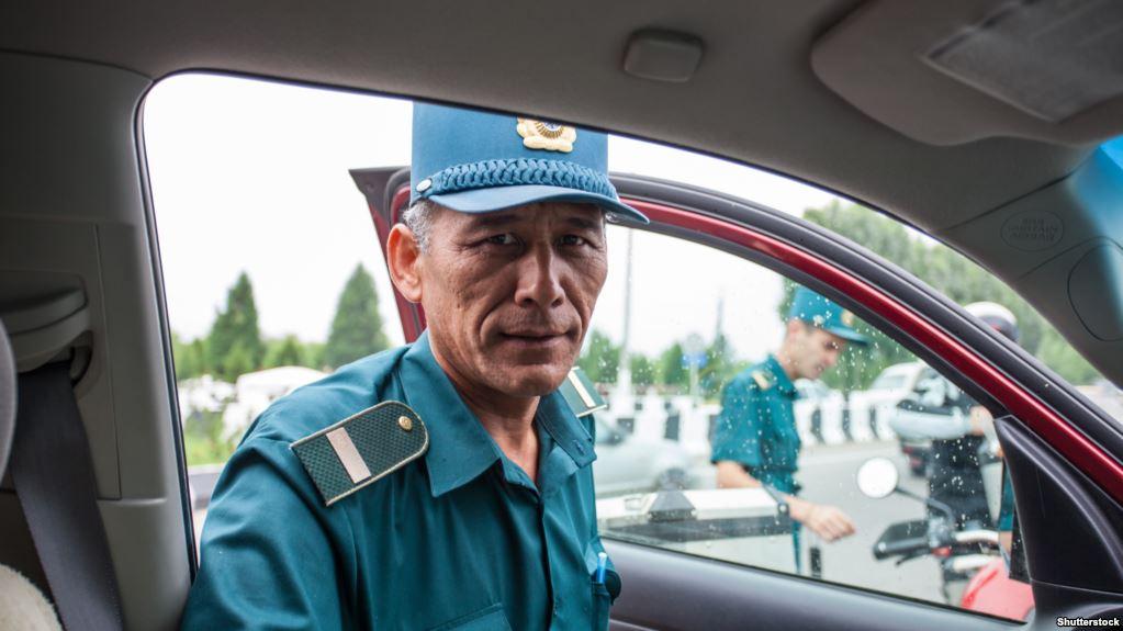 10% от оплачиваемых штрафов: в Узбекистане будут поощрять сотрудников ДПС