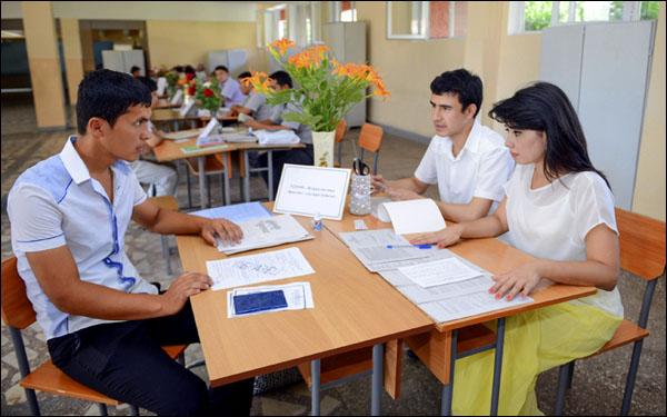 В Узбекистане абитуриенты получат возможность подавать документы сразу в несколько вузов