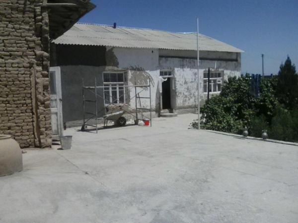 Женщине, униженной сотрудником Каттакурганского ОВД, отремонтировали дом и помогли открыть бизнес