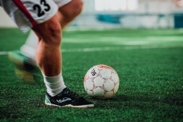 «Локомотив» заключил контракты с российским футболистом и двумя игроками национальной сборной