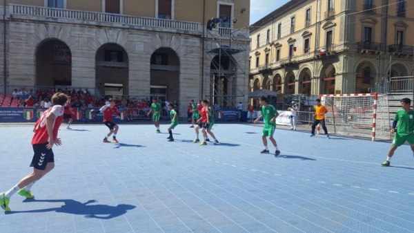 «Золото» из Италии: сборная по гандболу U-18 разгромила соперников на Кубке мира