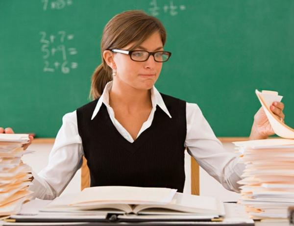 Учителей освободят от лишней бумажной работы, подключив все школы к единой электронной базе