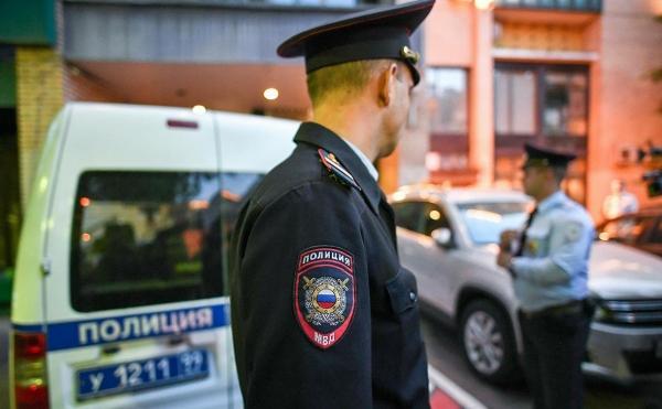 Двое узбекистанцев пытались ограбить квартиру в Москве, взяв в заложники детей