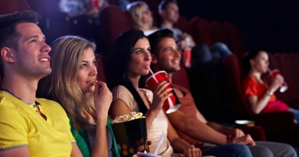 Кинотеатры обязали показывать не менее двух отечественных фильмов в сутки