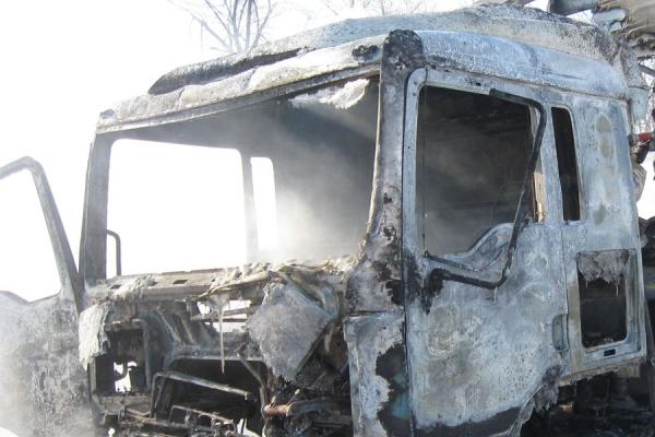 В Чимгане водитель заживо сгорел в грузовике «Камаз»