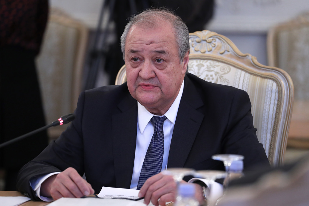 Глава МИД Абдулазиз Камилов представил своего нового советника