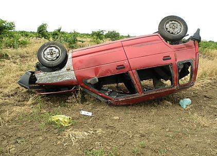 В Бухарской области перевернулся автомобиль. Пассажиры погибли