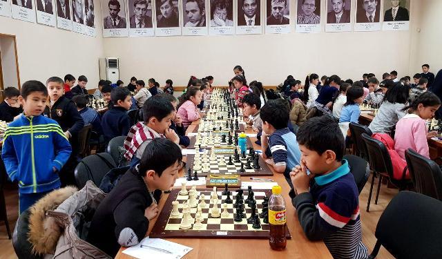 В 150 школах Узбекистана вводятся уроки шахмат