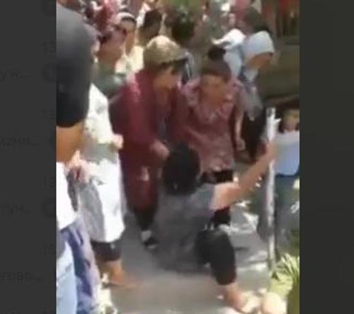 Видео женщину подвесили в контакте 14