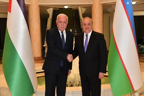 Абдулазиз Камилов встретился с министром иностранных дел и экспатриантов Палестины Риадом аль-Малки