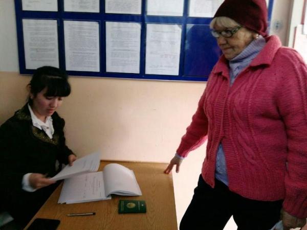 В Узбекистане для пенсионеров введут специальные электронные ID-карты