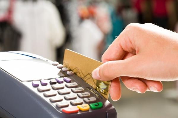 Культуры нам не хватает: Uzcard призывает держателей пластиковых карт вводить PIN-код самостоятельно