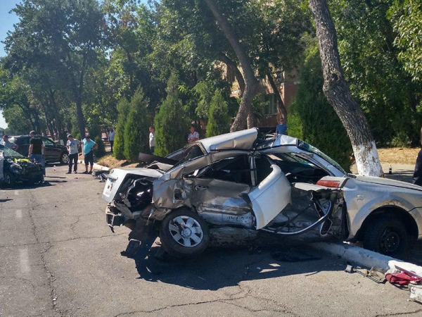 Не уступил дорогу: в Мирзо-Улугбекском районе столицы разбились два «Ласетти» (видео)