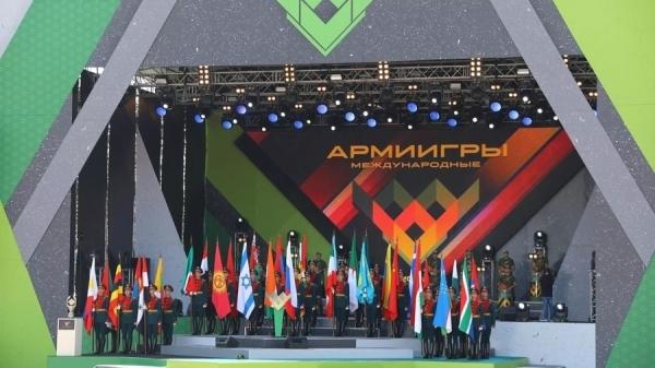 Узбекские военные вернулись с АРМИ-2018 с медалями