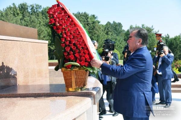 Исторический визит: впервые за последние 20 лет Президент Таджикистана прибыл в Ташкент (фото)