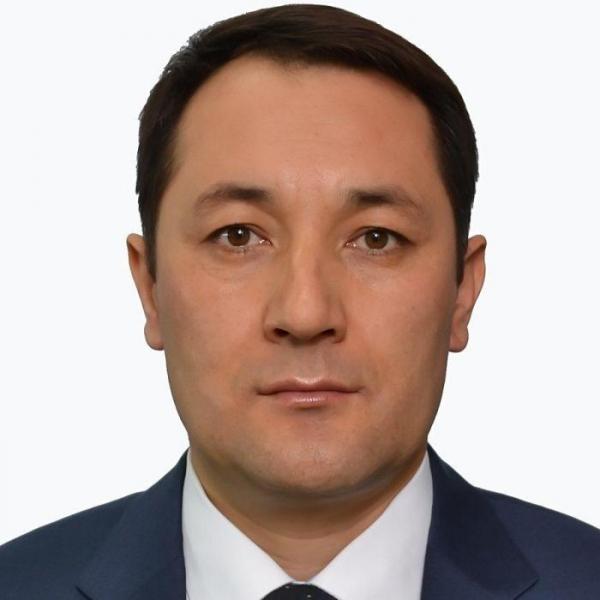 Вернувшийся на родину узбекистанец назначен на руководящую должность в Минздраве