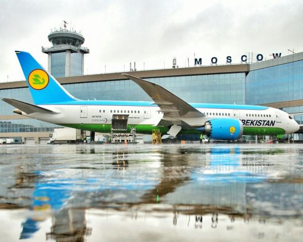"""В аэропорту Домодедово пилоты не смогли запустить самолет """"Узбекистон хаво йуллари"""""""
