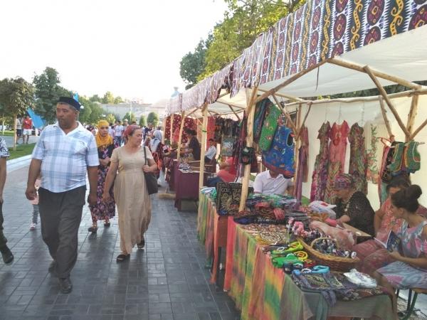 """В Самарканде прошел фестиваль национального ремесла """"Silk Road Bazaar"""""""