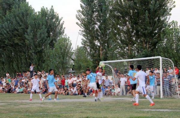 В каждой махалле страны построят собственное футбольное поле