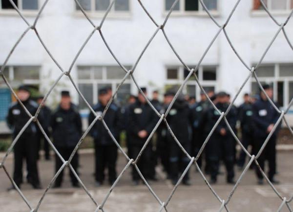 Президент помиловал более двухсот раскаявшихся заключенных
