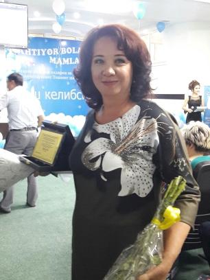 В Ташкенте наградили лучших работников городских и пригородных детских оздоровительных лагерей