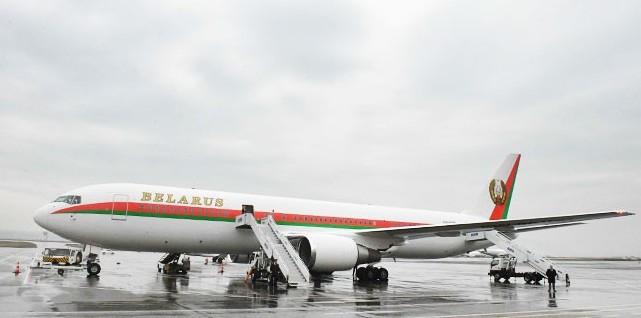 Президент Беларуси прибыл в Узбекистан