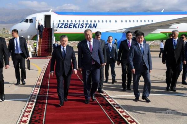 Шавкат Мирзиёев прибыл на Иссык-Куль