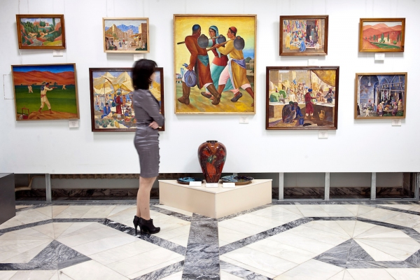 Запасники музея Савицкого: новый фильм об уникальном собрании картин покажут на российском телеканале