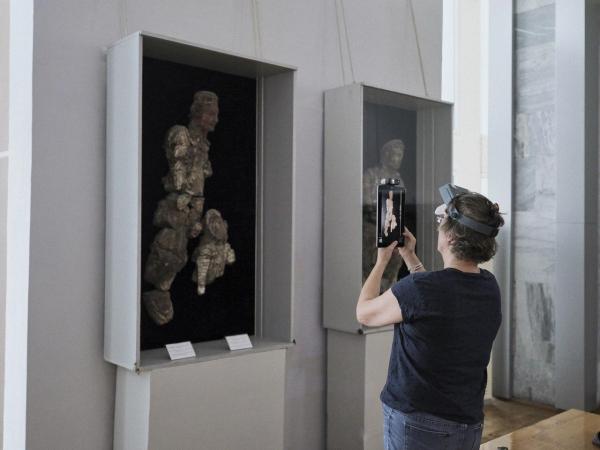Французские эксперты отбирают лучшие экспонаты узбекистанских музеев для выставки в Лувре