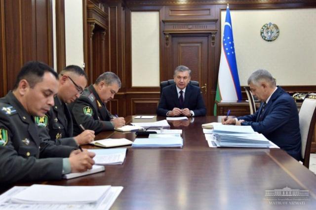Шавкат Мирзиёев провел совещание по вопросам оборонного строительства и развития Вооруженных Сил
