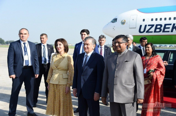 """""""Для нас это великая цивилизация"""" - о государственном визите Шавката Мирзиёева в Индию"""