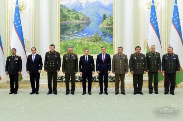 Ўзбекистон Республикаси Президенти МДҲ давлатлари мудофаа идоралари раҳбарлари билан учрашди