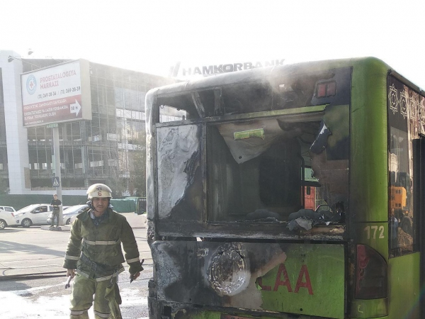 В Ташкенте снова загорелся пассажирский автобус