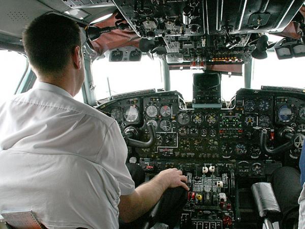 Обстрелян самолет, летевший в Хабаровск: в обшивке найдена пуля от автомата Калашникова