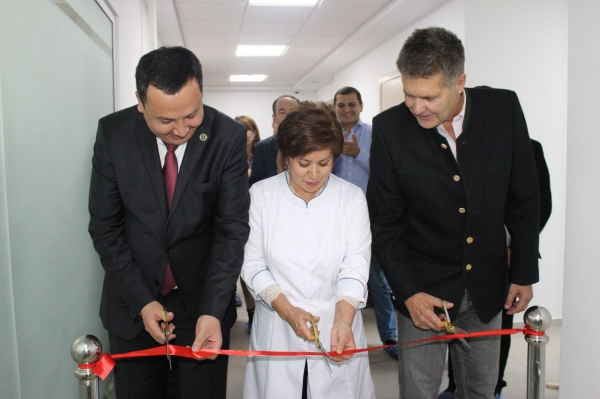 Аллергиков будут предупреждать о начале опасного сезона: в Ташкенте установлены первые пыльцевые ловушки
