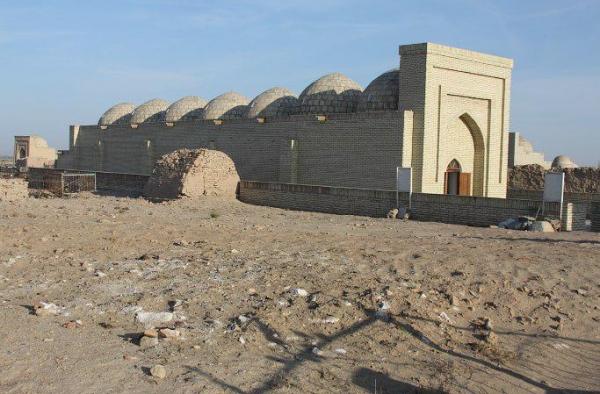 Зачем нам старье: в Каракалпакстане снесли мавзолей 12 века
