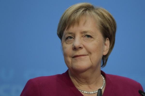 Ангела Меркель бешинчи муддатга қайта сайланмайди