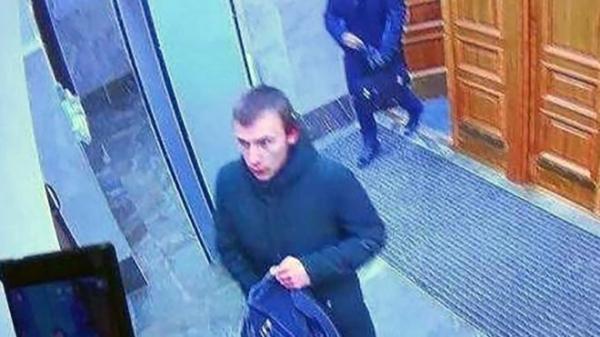 17-летний юноша устроил взрыв в здании ФСБ в Архангельске и погиб