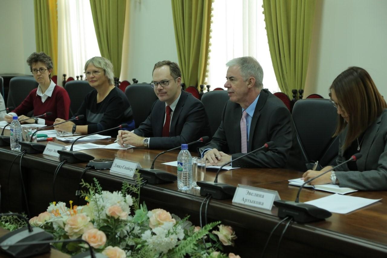 Высокопоставленный британский дипломат посетил Ташкент