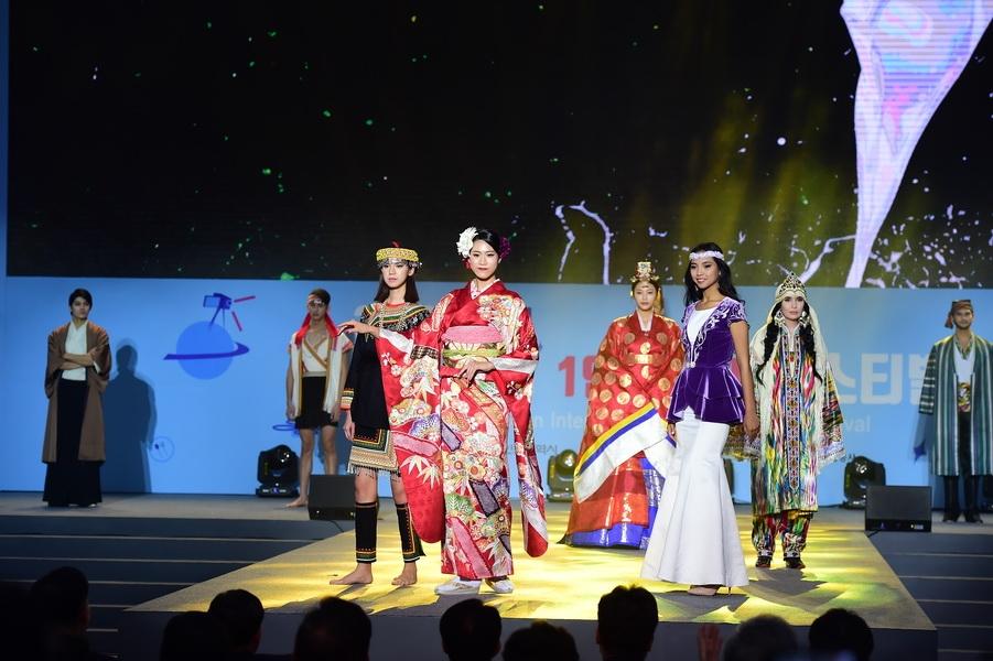 Узбекские модели становятся востребованными на мировом подиуме