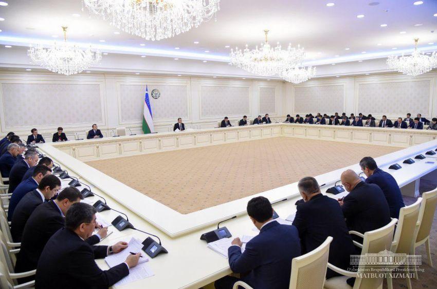 Шавкат Мирзиёев раскритиковал банковскую систему Узбекистана