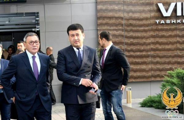 Новому президенту AIBA Гафуру Рахимову в Ташкенте устроили торжественную встречу