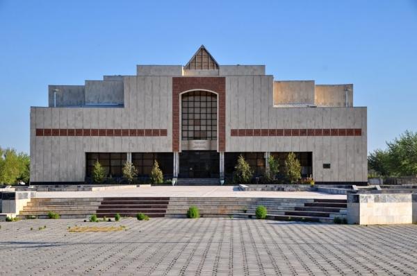 Фонд друзей музея Савицкого будет распущен из-за расхищения благотворительных подарков