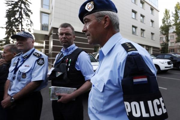 Поджог автомобиля и вооруженное нападение в Мельбурне: один убит, несколько раненых