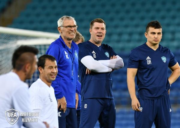 Футбольная сборная провела первую тренировку в Австралии