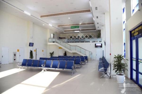 Шавкат Мирзиёев Нукус халқаро аэропортини кўздан кечирди