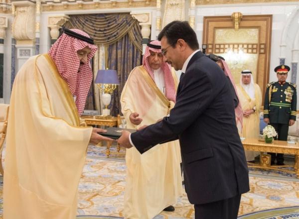 Король Саудовской Аравии пригласил Шавката Мирзиёева посетить страну с официальным визитом