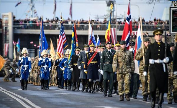 Полиция безопасности заинтересовалась свастикой на праздновании 100-летия Латвии