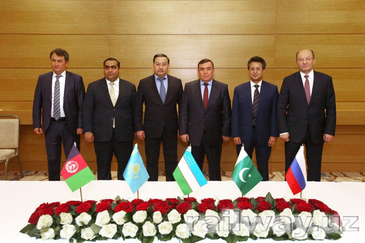 Железнодорожники пробивают коридор в Афганистан и Пакистан